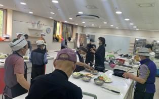 [노인돌봄] 청춘밥상 요리하는 다정한 남자(6회기) 진…